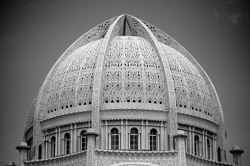 Baha'i House of Worship by Giant Ginkgo on flickr